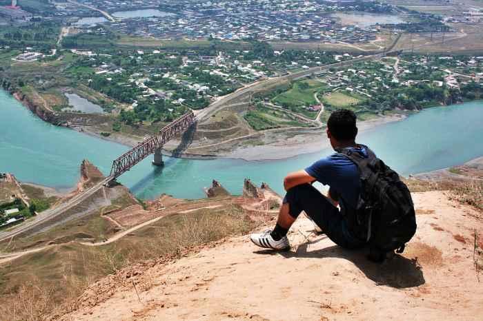 El río Vakhsh atraviesa Khatlon