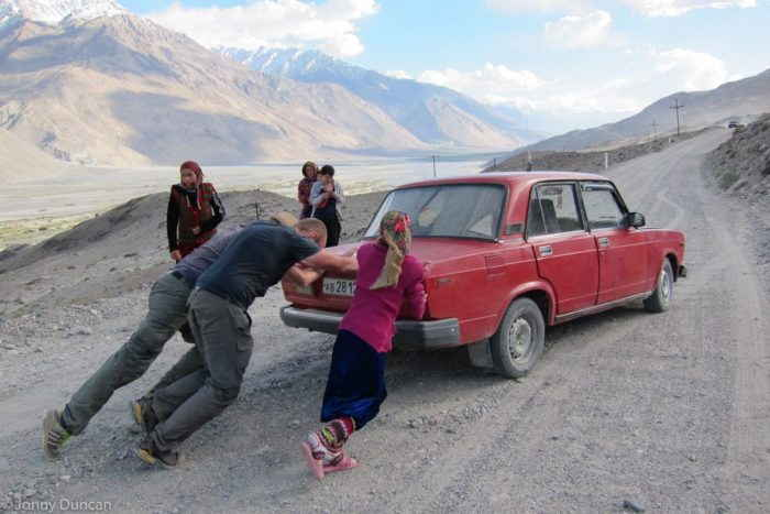 Un taxi del valle de Wakhan, a través de Backpackingman